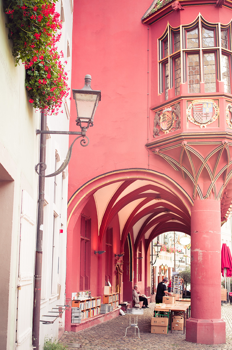 Rotes-Kaufhaus-und-Haus-zur-Roten-Schar-Freiburg