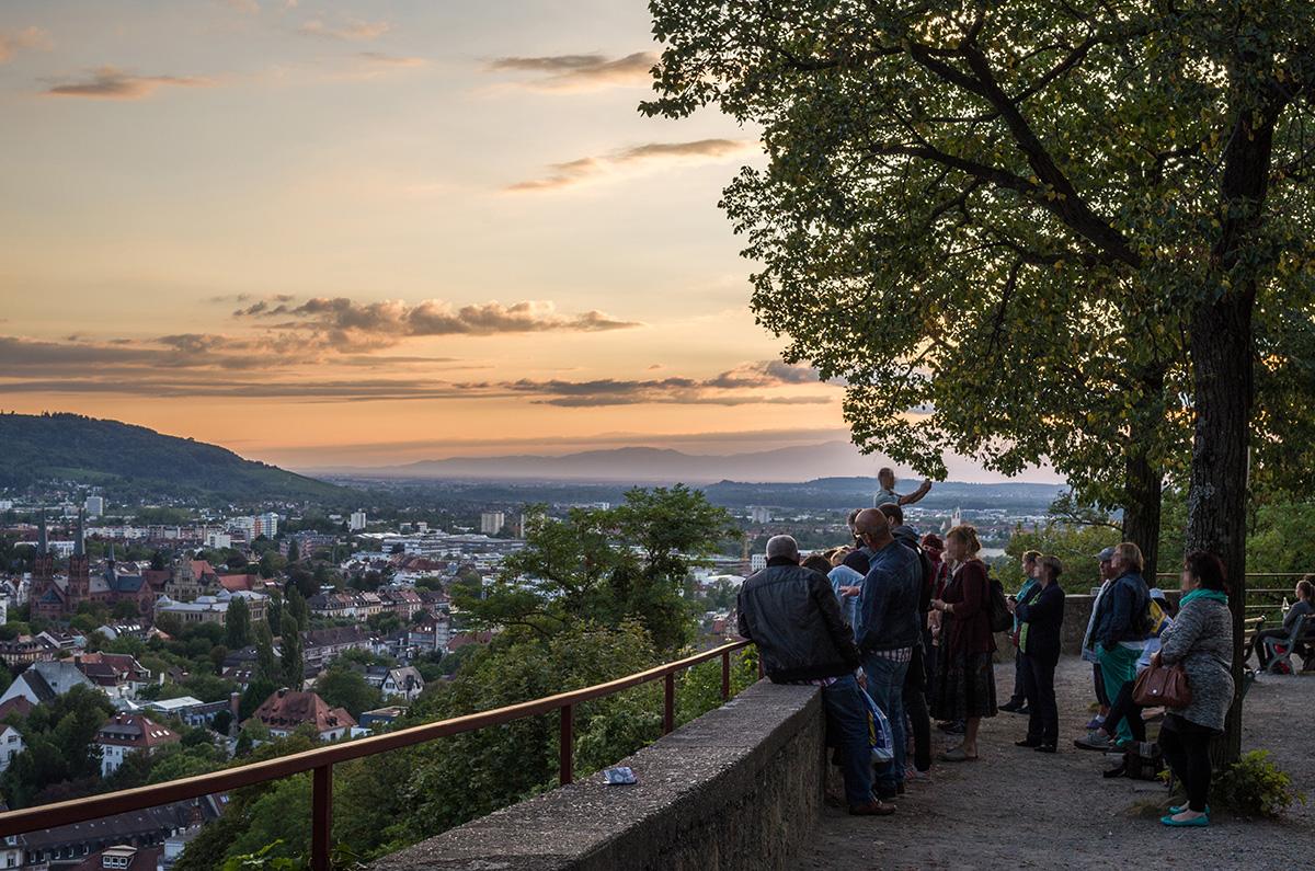 Sonnenuntergang-auf-dem-Kanonenplatz-Freiburg